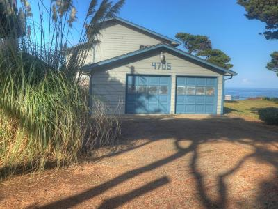 Lincoln City Single Family Home For Sale: 4705 SW Beach Ave