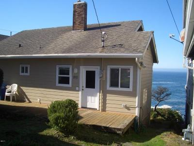 Depoe Bay Multi Family Home For Sale: 315 SW Coast Ave
