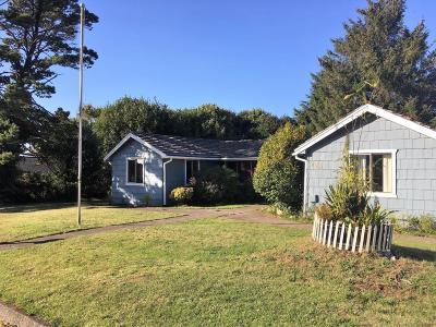 Newport Single Family Home For Sale: 245 NE 10th St