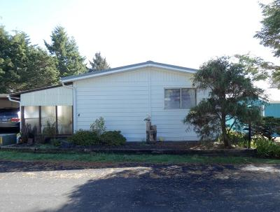 Depoe Bay, Gleneden Beach, Lincoln City, Newport, Otter Rock, Seal Rock, South Beach, Tidewater, Toledo, Waldport, Yachats Mobile/Manufactured For Sale: 923 SE Bay Blvd #4