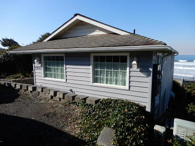 Depoe Bay Single Family Home For Sale: 4003 Lincoln Ave