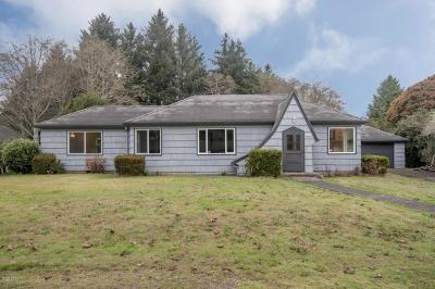 Lincoln City Single Family Home For Sale: 2841 NE Holmes Rd