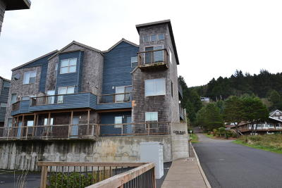 Depoe Bay, Gleneden Beach, Lincoln City, Otter Rock Condo/Townhouse For Sale: 45 NE Lane St #2