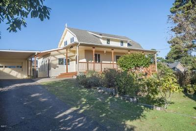 Lincoln City Single Family Home For Sale: 1511 SW Harbor Ave.