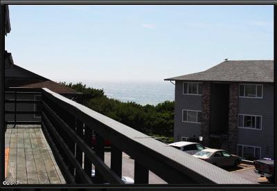 Lincoln City Condo/Townhouse For Sale: 4229 SW Beach Ave #41