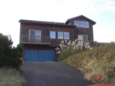 Alsea, Depoe Bay, Eddyville, Gleneden Beach, Grand Ronde, Lincoln City, Logsden, Neotsu, Neskowin, Newport, Otis, Otter Rock, Pacific City, Rose Lodge, Seal Rock, Siletz, South Beach, Tidewater, Toledo, Waldport, Yachats Single Family Home For Sale: 902 NW Oceania Dr