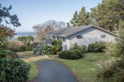 Seal Rock Single Family Home For Sale: 951 NW Lanai Loop