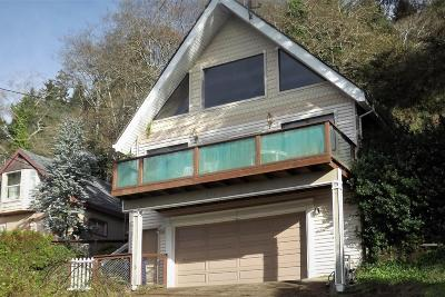 Depoe Bay Single Family Home For Sale: 240 Williams Ave NE