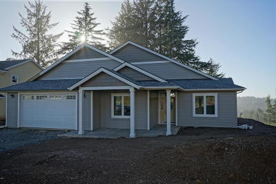 Lincoln City OR Single Family Home Sold: $459,053
