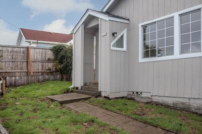 Lincoln City Single Family Home For Sale: 1436 NE 13th St.