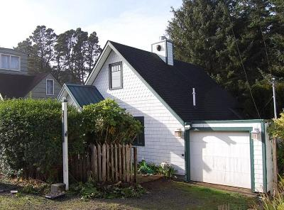 Lincoln City Single Family Home For Sale: 2959 SW Beach Ave