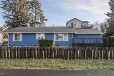 Lincoln City Single Family Home For Sale: 3414 NW Port Ct