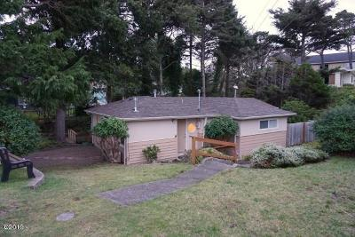 Lincoln City OR Single Family Home For Sale: $318,000