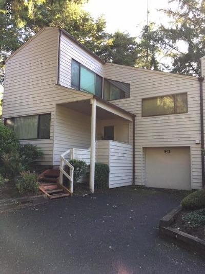Single Family Home Sold: 600 Island Drive