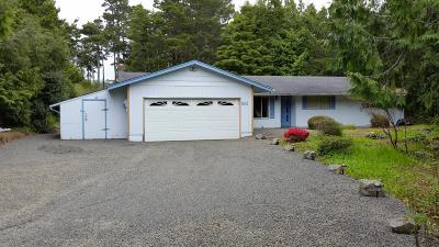 Depoe Bay Single Family Home For Sale: 60 Ridge Pl