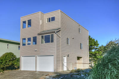 Yachats Single Family Home For Sale: 17 S Windy Way