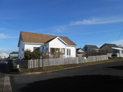 Newport Single Family Home For Sale: 750 N.W. 2nd St.