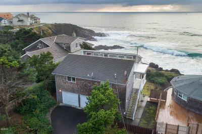 Depoe Bay Single Family Home For Sale: 555 SW Cardinal St