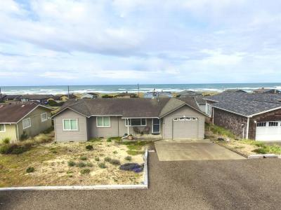 Waldport Single Family Home For Sale: 2214 NW Convoy Way