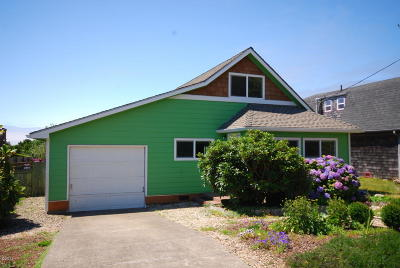 Newport Single Family Home For Sale: 1017 NW Hurbert St.