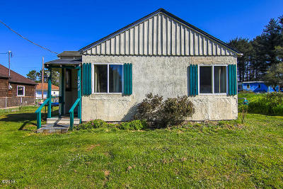 Depoe Bay, Gleneden Beach, Lincoln City, Newport, Otter Rock, Seal Rock, South Beach, Tidewater, Toledo, Waldport, Yachats Single Family Home For Sale: 1072 SW Seabrook Ln