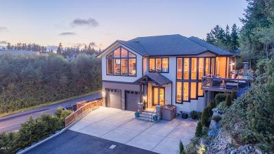 Newport Single Family Home For Sale: 449 SE Scenic Loop