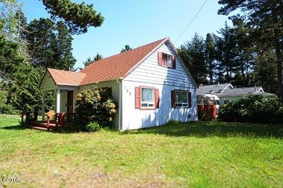 Depoe Bay, Gleneden Beach, Lincoln City, Newport, Otter Rock, Seal Rock, South Beach, Tidewater, Toledo, Waldport, Yachats Single Family Home For Sale: 185 SW South Point Street