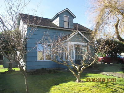 Single Family Home Sold: 1303 1st St