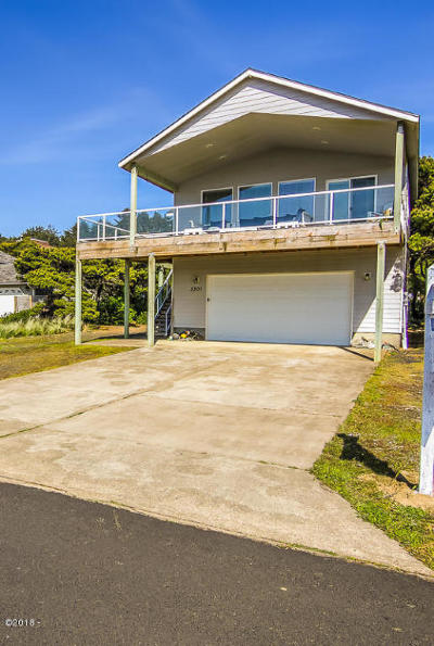 Waldport Single Family Home For Sale: 3301 NW Oceania Dr