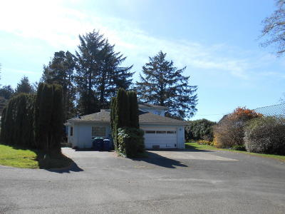 Depoe Bay Multi Family Home For Sale: 26 Jewel Ct #A &