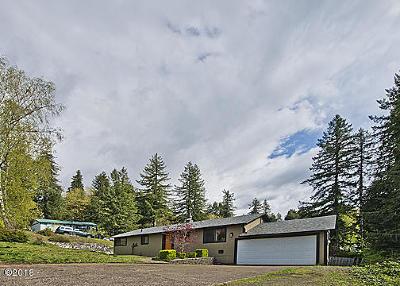 Toledo Single Family Home For Sale: 955 SE Loren Ln