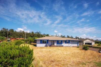 Waldport Single Family Home For Sale: 2409 NW Convoy Way
