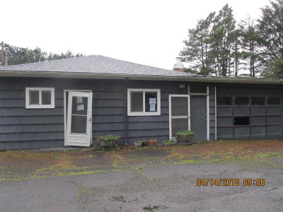 Lincoln City Single Family Home For Sale: 3251 SE Dune Ave