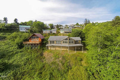 Pacific City Single Family Home For Sale: 35800 Fisher Rd