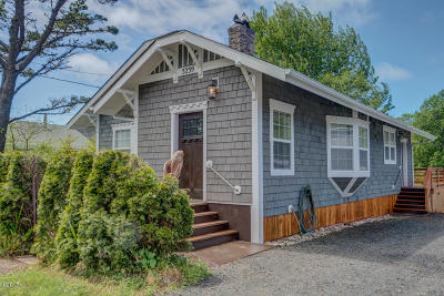 Yachats Single Family Home For Sale: 5239 NE Highland Ave