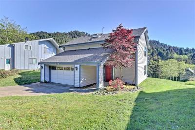 Yachats Single Family Home For Sale: 174 Jennifer Dr