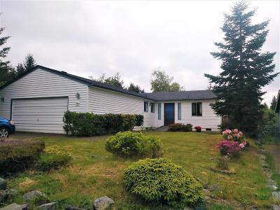 Waldport Single Family Home For Sale: 740 SE Bird Ave