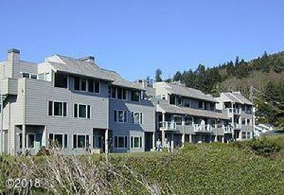 Depoe Bay Condo/Townhouse For Sale: 20 NW Sunset Street #F-3