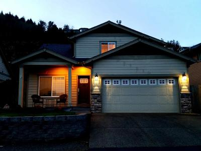 Depoe Bay OR Single Family Home For Sale: $325,000