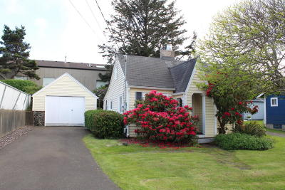 Lincoln City Single Family Home For Sale: 1540 NW 20th St