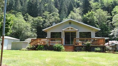 Waldport OR Single Family Home Active: $265,000