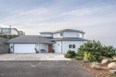 Neskowin Single Family Home For Sale: 47180 Hillcrest Dr