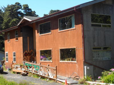 Yachats Single Family Home For Sale: 214 NE Camp One Rd