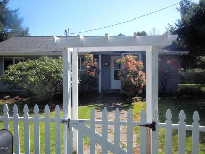 Yachats Single Family Home For Sale: 46 NE Blodgett Rd