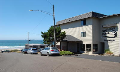 Lincoln City Condo/Townhouse For Sale: 1415 NW 31st Pl #167