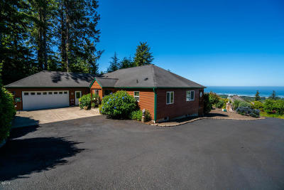 Neskowin Single Family Home For Sale: 6565 Pacific Overlook Dr