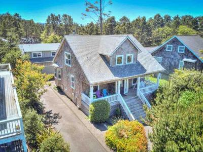 Depoe Bay Single Family Home For Sale: 120 Bella Beach Dr