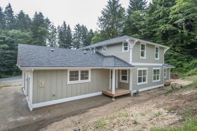Lincoln City Single Family Home For Sale: 2758 NE 19th St