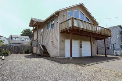 Lincoln City OR Single Family Home For Sale: $371,000