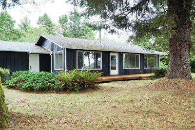 Seal Rock Single Family Home For Sale: 799 NW Estate Pl